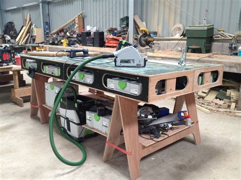 diy woodworking workbench the paulk workbench those festool boxes fit nicely