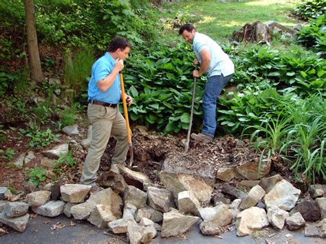 how to make a wall garden how to build tiered garden walls how tos diy