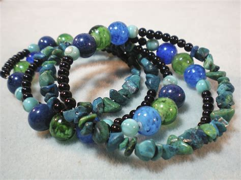 how to make a beaded bracelet with wire how to make a memory wire beaded bracelet
