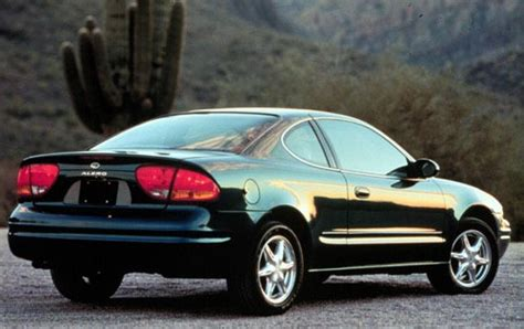how to work on cars 2003 oldsmobile alero auto manual 2003 oldsmobile alero information and photos zombiedrive