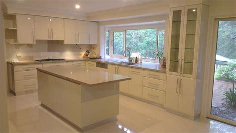 modern kitchen designs with island kitchen designs with islands modern kitchen setting