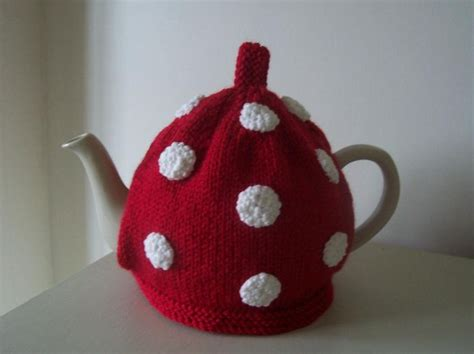 tea cozy knitting pattern quot dottie quot tea cosy tea cosies patterns and knitting