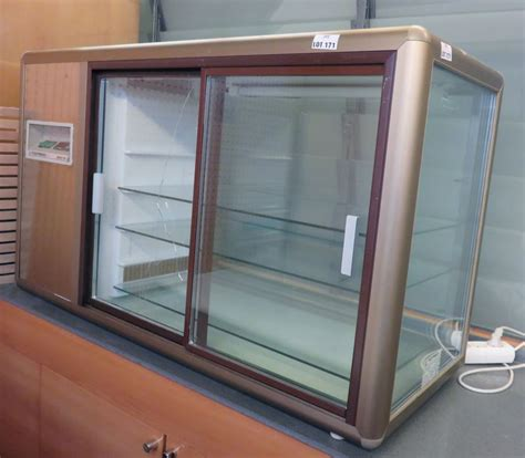 vitrine refrigeree de marque tecfrigo modele orizont 200 q 3 etageres en verre 2 portes groupe inte