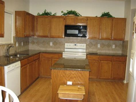 paint colors kitchen honey oak cabinets honey oak cabinets what color countertop what color