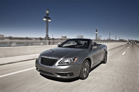 Chrysler Convertibles by 2013 Chrysler 200 Convertible Review Top Speed