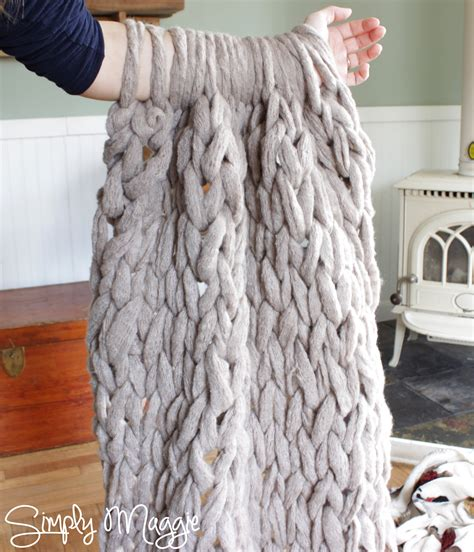 best yarn for arm knitting arm knit a blanket in 45 minutes by simply maggie