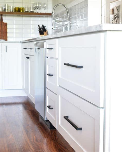 white knobs for kitchen cabinets black knobs for kitchen cabinets white kitchen cabinets