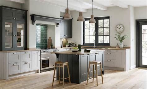 light grey shaker kitchen smooth painted shaker doors florence graphite light grey
