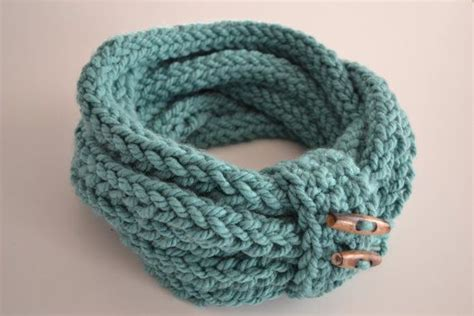 how to finger knit a scarf handmade finger knitted infinity loop scarf