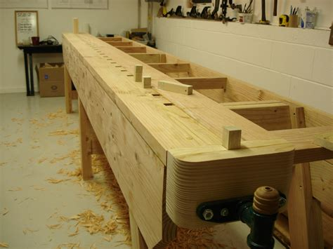 woodworking dogs workbench going to the dogs