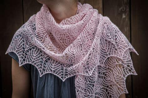 knitting shawls renee knits shetland lace triangle shawl