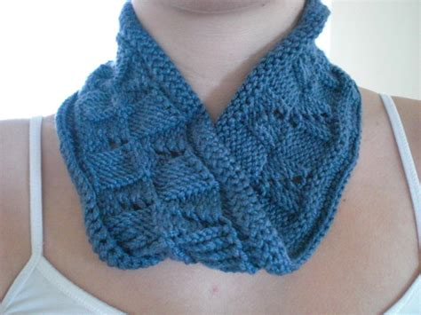 how to knit a moebius scarf how to knit a m 246 bius scarflet make