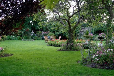 backyard landscaping photos 41 stunning backyard landscaping ideas pictures