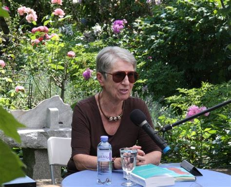 Der Unwiderstehliche Garten by Barbara Frischmuth Der Unwiderstehliche Garten Graz
