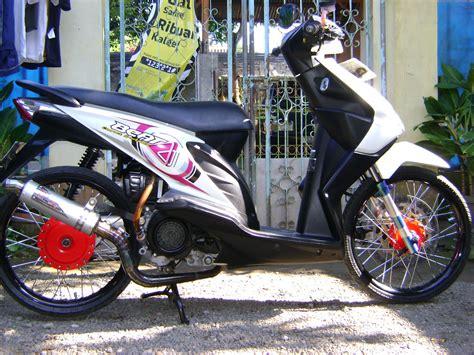 Modif Motor Matic Beat F1 by Modifikasi Motor Matic Honda Beat Lama Dengan Velg Jari Jari