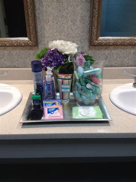 Bathroom Basket Ideas by 17 Best Ideas About Wedding Bathroom Decorations On