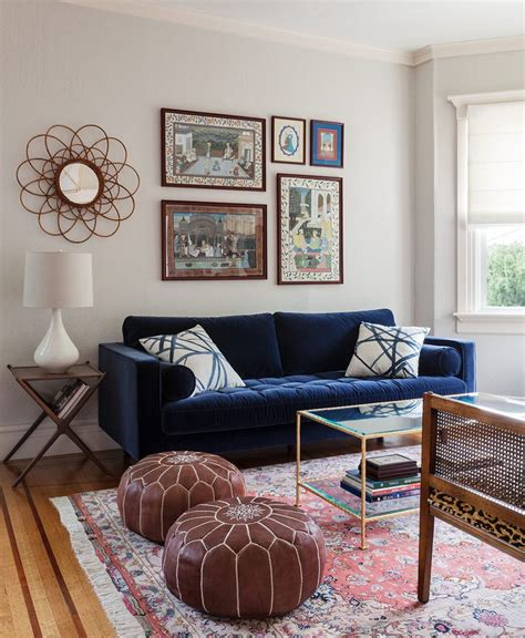 blue couches living rooms best 25 blue velvet sofa ideas on velvet sofa