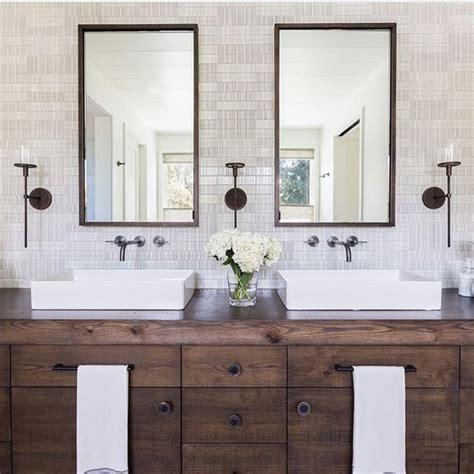Rustic Modern Bathroom Vanities by Best 25 Rustic Modern Bathrooms Ideas On