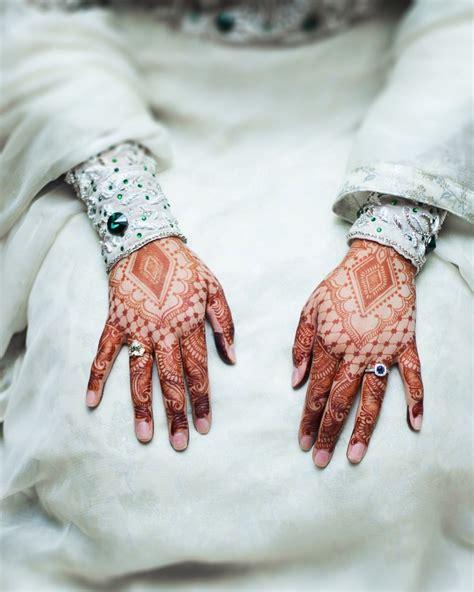 hire the brooklyn henna company henna tattoo artist in