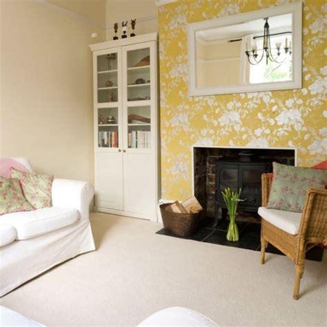 wallpaper livingroom 20 living rooms with beautiful floral wallpaper rilane