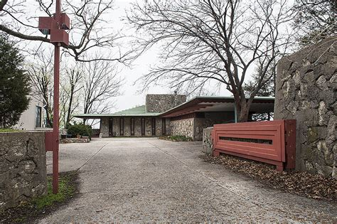 frank lloyd wright style homes this frank lloyd wright home will take you back to 1950s