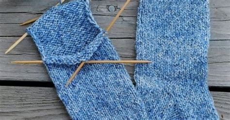 knitting socks for beginners beginner sock pattern knitting socks and mitts