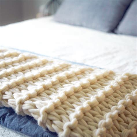 what can you knit arm knit blanket tutorial and giveaway flax twine