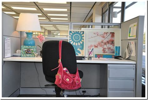 how to decorate your cubicle how to decorate your work cubicle decorating ideas