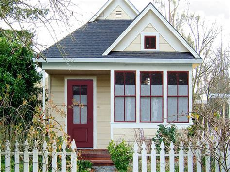 tumbleweed tiny house workshop tumbleweed tiny home workshop in boston this weekend diy