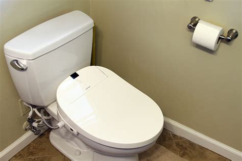 Toilet En Bidet by Editor S Review Of The Coway Ba 13 Toilet Seat Bidet