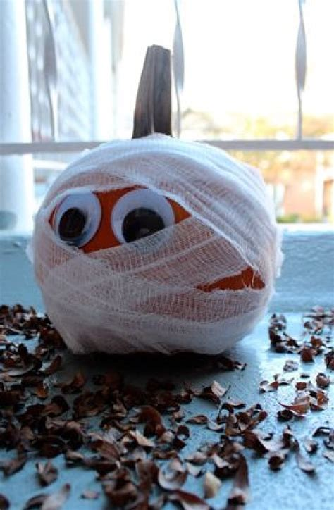 easy decorating ideas 8 creative and easy pumpkin decorating ideas