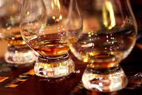 hosting a hosting a whisky tasting