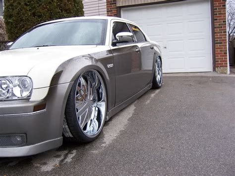 2005 Chrysler 300 Tire Size by Chrysler 300 Custom Wheels Hipnotic Phantoms 24x10 0 Et
