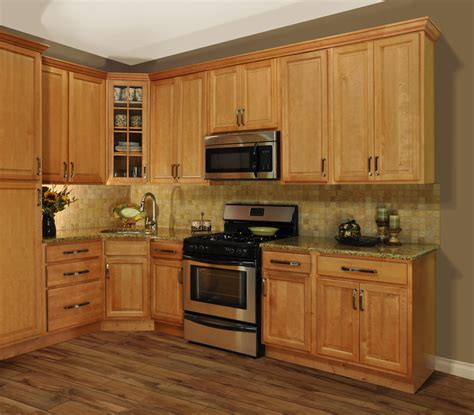 kitchens with maple cabinets refinished maple cabinets to decobizz