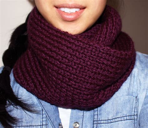 knitting scarf pattern purllin acai infinity circle scarf free knitting pattern
