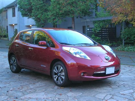 2014 Nissan Leaf Sl by 2014 Nissan Leaf Sl Road Test Review Carcostcanada