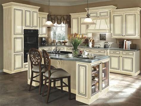 antique paint colors for kitchen cabinets painted antique white kitchen cabinets to paint antique