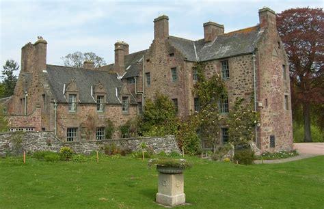 historical castles historic perthshire castles perth city