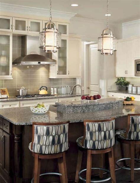 light pendants kitchen islands cuisine de style transitionnel avec suspendus transitional kitchen with pendants