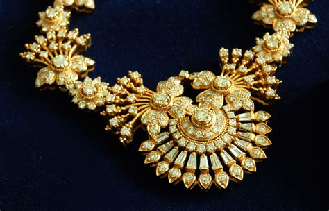 gold for jewelry shopper s guide to buying gold jewelry in ok