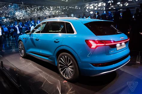 Audi Etron by Here S The E Audi S All Electric Suv The Verge