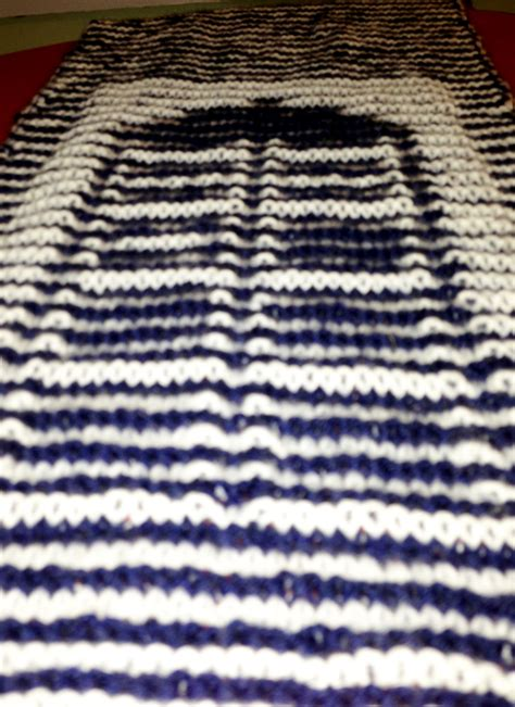 doctor who knitting this tardis scarf is an amazing illusion pics global
