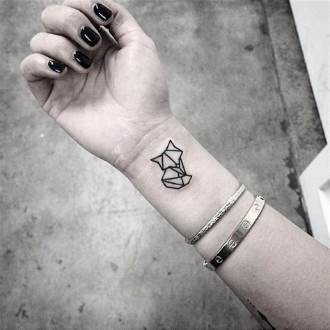 best 25 small fox tattoo ideas on pinterest fox tattoos