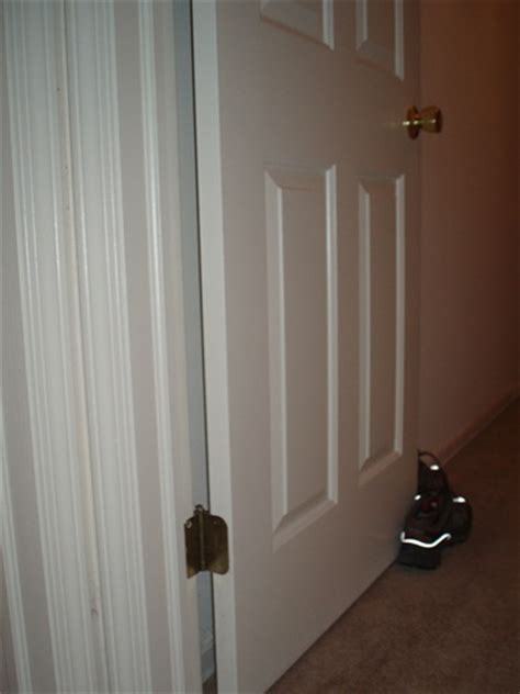 Bedroom Door Repair How To Repair Rebalance An Interior Door That Closes By
