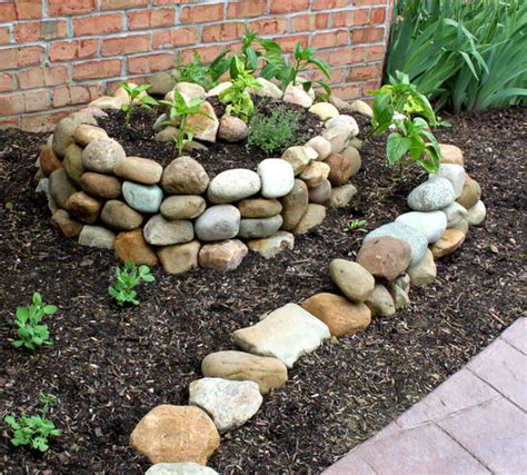 how to make home vegetable garden how to make a small vegetable garden home designs project