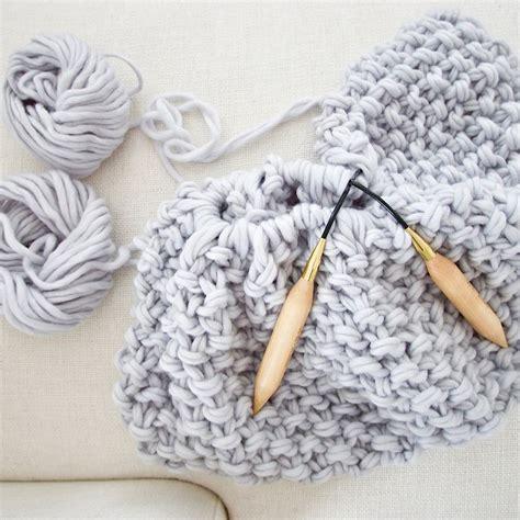 blanket knitting needles 1000 ideas about knitting blanket patterns on