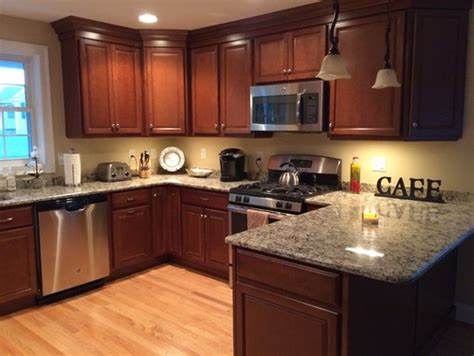 how to set kitchen cabinets does kitchen cabinets to match dining set