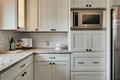 classic kitchen cabinet knobs shaker kitchen cabinet white shaker cabinet kitchen traditional with gray