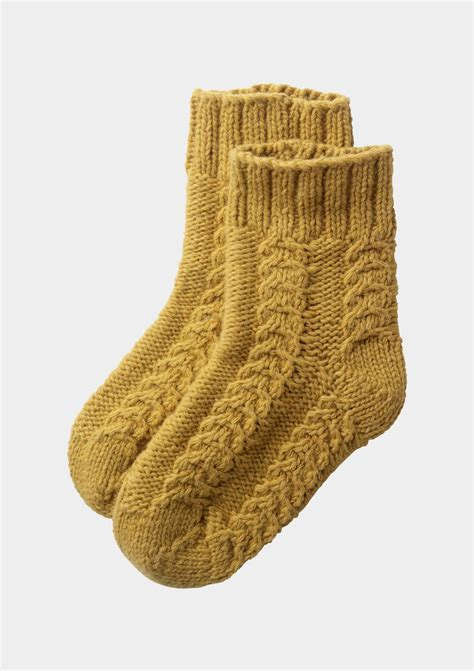 cable knit socks 17 best ideas about cable knit socks on