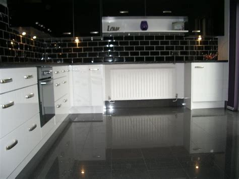using high gloss tiles for kitchen is good interior design inspirations